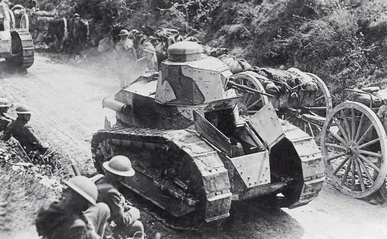 Anh cuc hiem: Phap tung mang xe boc thep sang Viet Nam?-Hinh-5