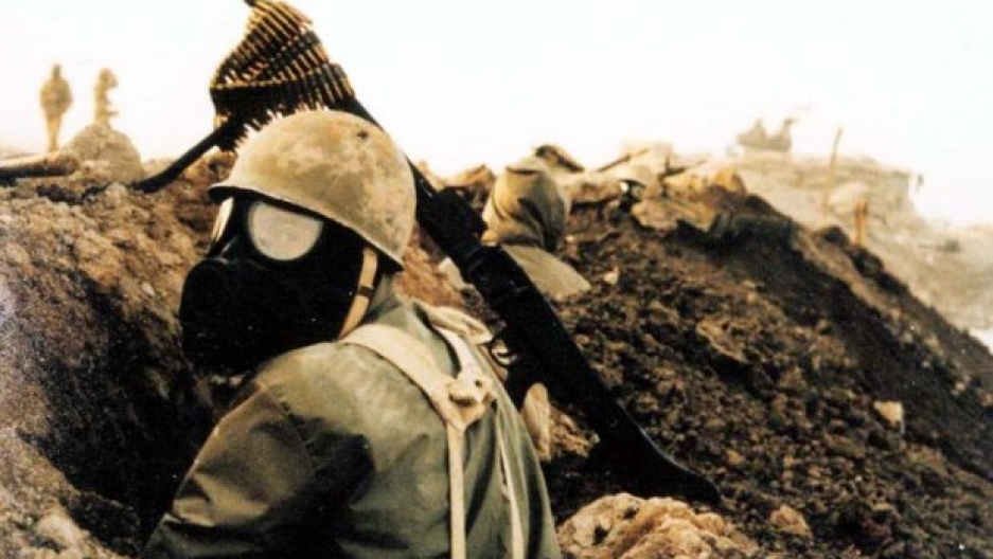 Kinh hoang cach Iraq huy diet quan doi Iran bang vu khi hoa hoc-Hinh-5