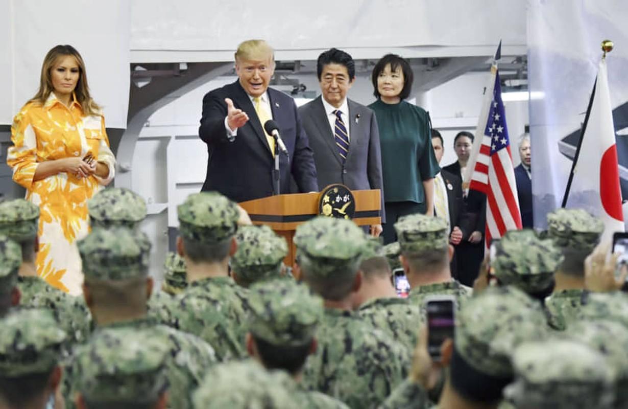 """Tong thong Trump tham """"tau san bay"""" lon nhat Nhat Ban-Hinh-9"""