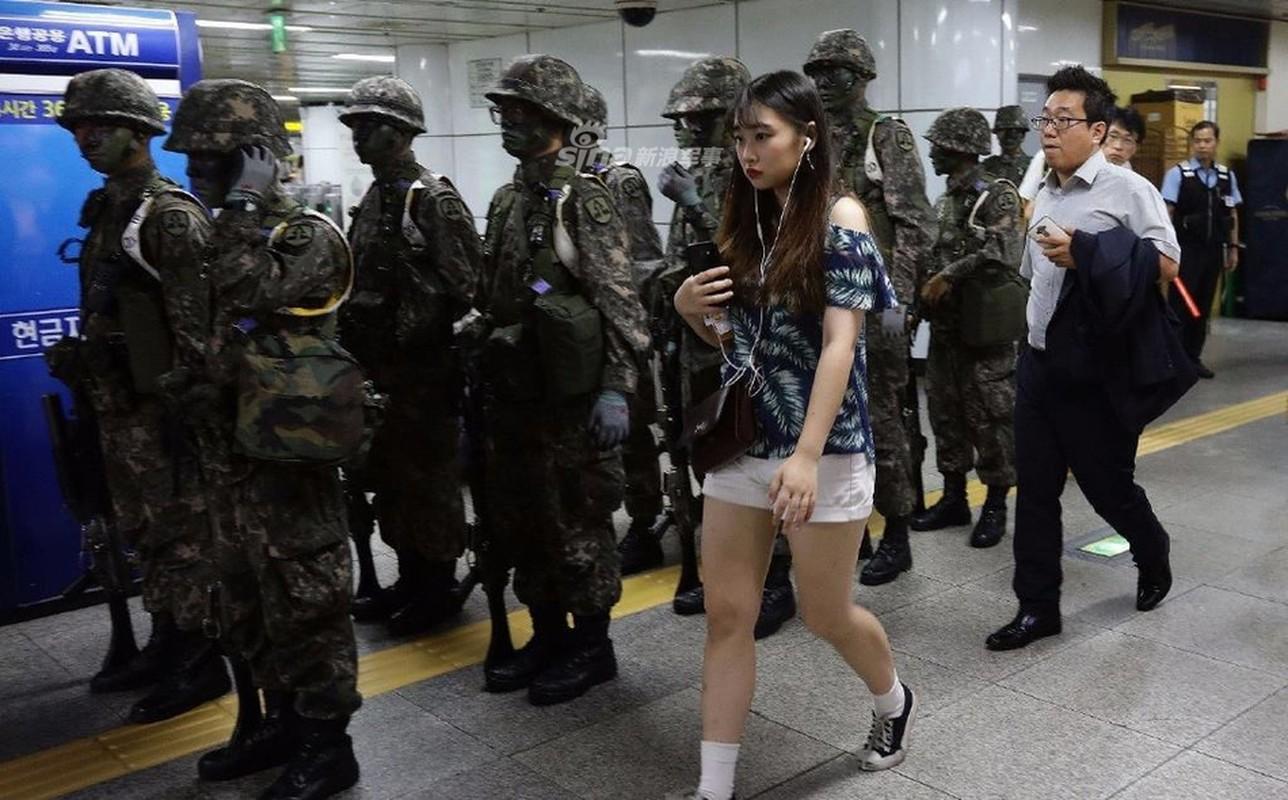 Han Quoc dien tap phan ung nhanh khi Seoul bi tan cong hoa hoc