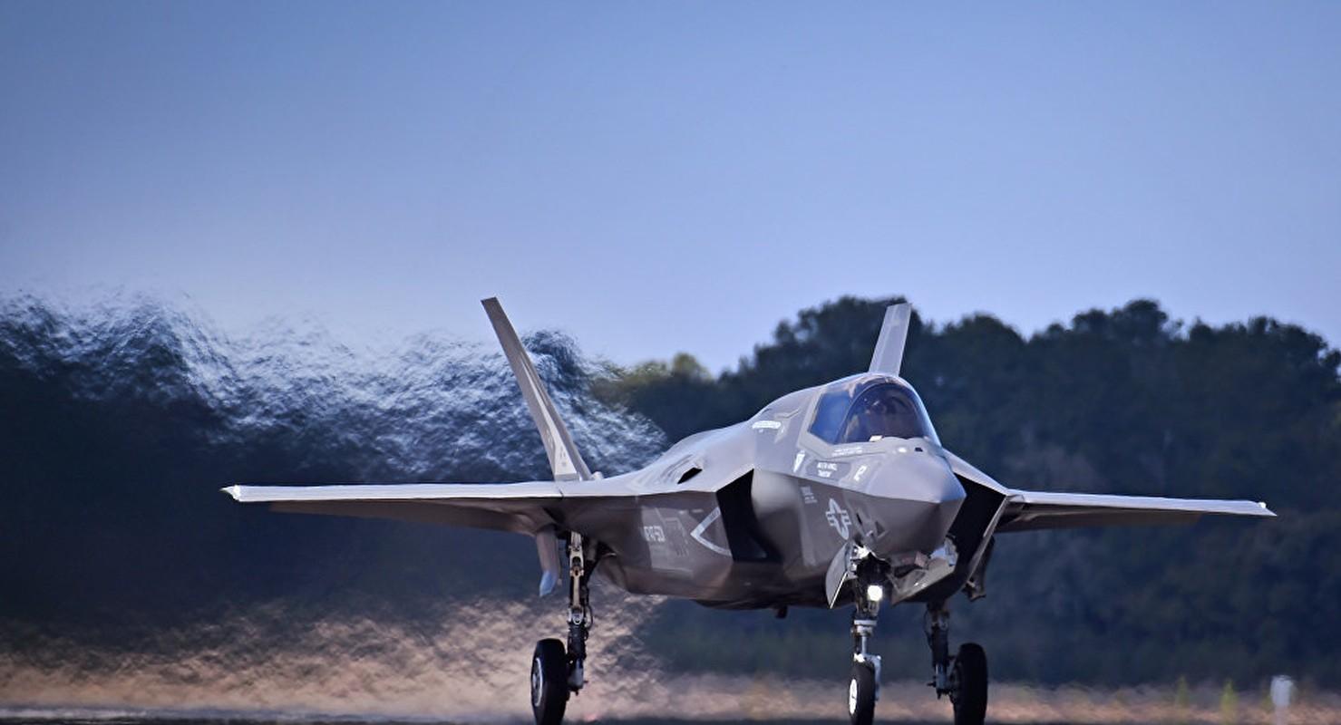 My ban chiec F-35 thu 400, tong gio bay cham nguong 200.000