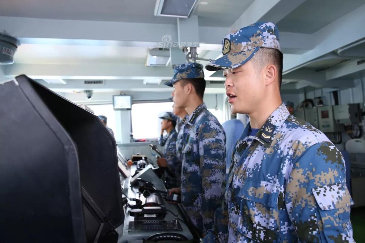 Can canh ho ve ham dong dao nhat cua Trung Quoc khai hoa ruc lua-Hinh-4