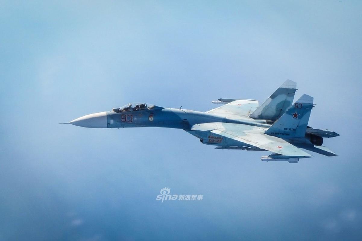 Can canh Su-27 Nga bi tiem kich Anh ap tai o bien gioi Estonia-Hinh-4
