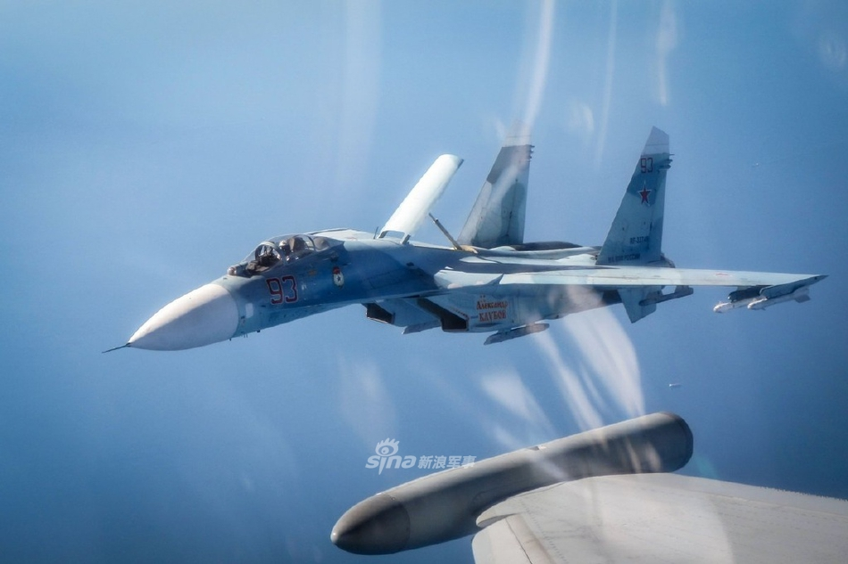 Can canh Su-27 Nga bi tiem kich Anh ap tai o bien gioi Estonia