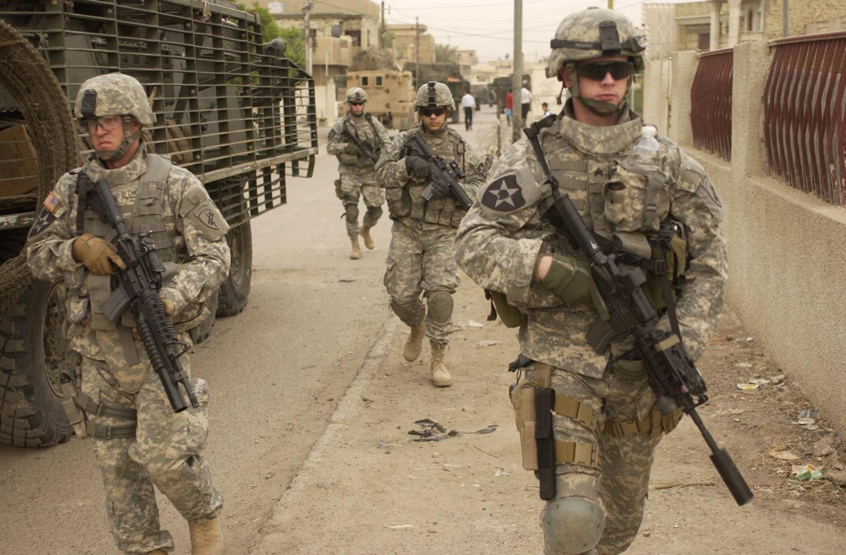 Iraq khong cho muon dat, My phai danh Iran tu huong nao?-Hinh-2