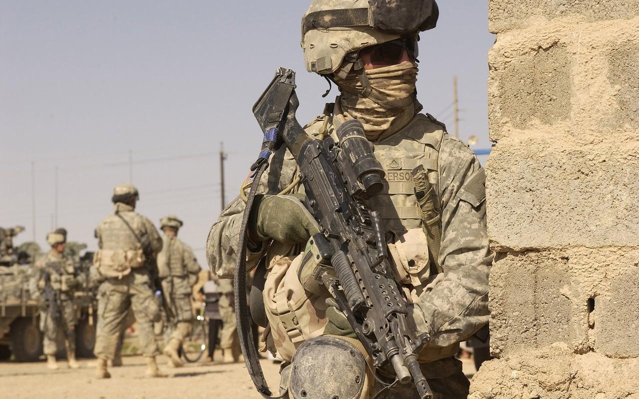 Iraq khong cho muon dat, My phai danh Iran tu huong nao?-Hinh-9