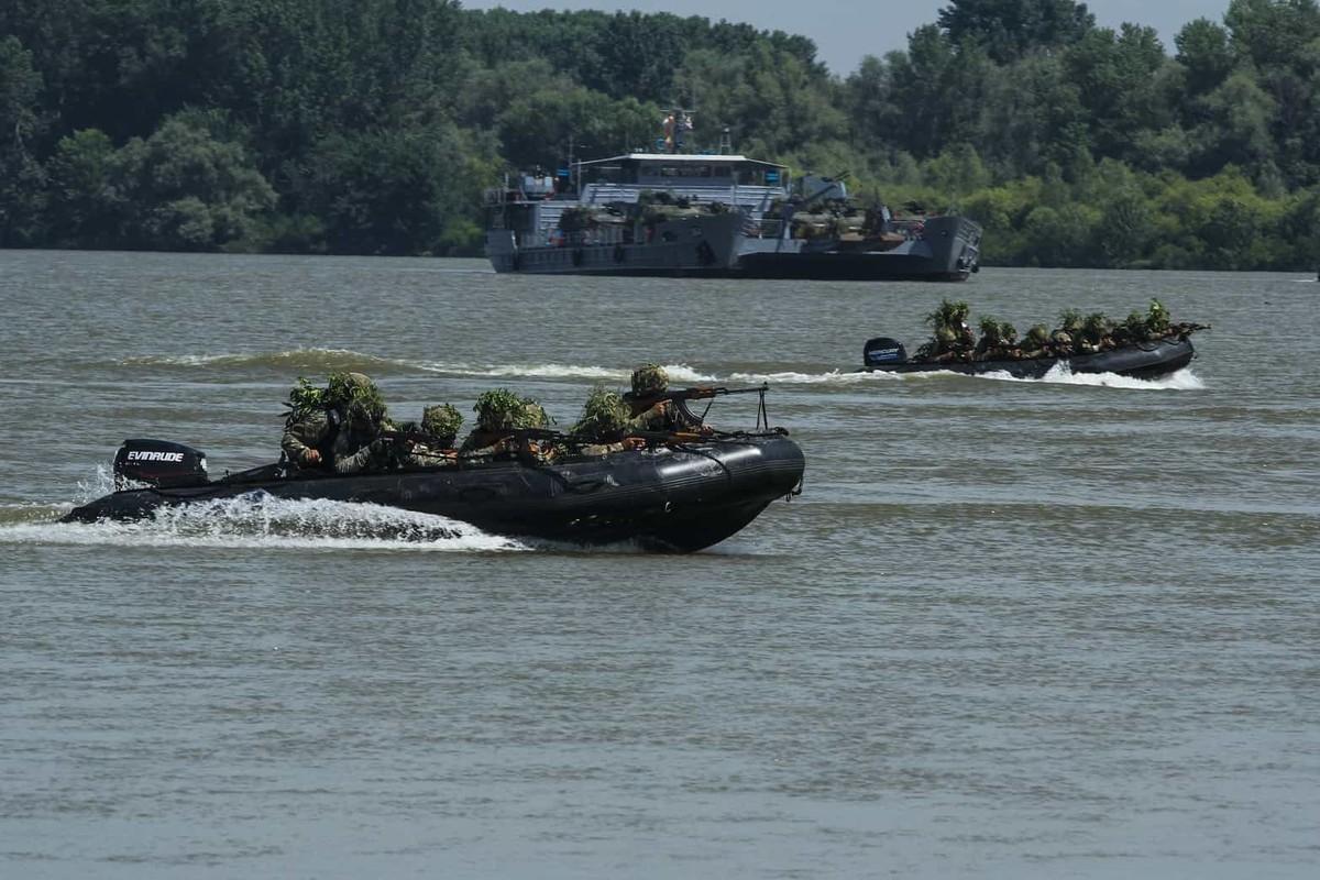 Tron mat xem NATO bac cau phao, vuot song to nhi chau Au-Hinh-3