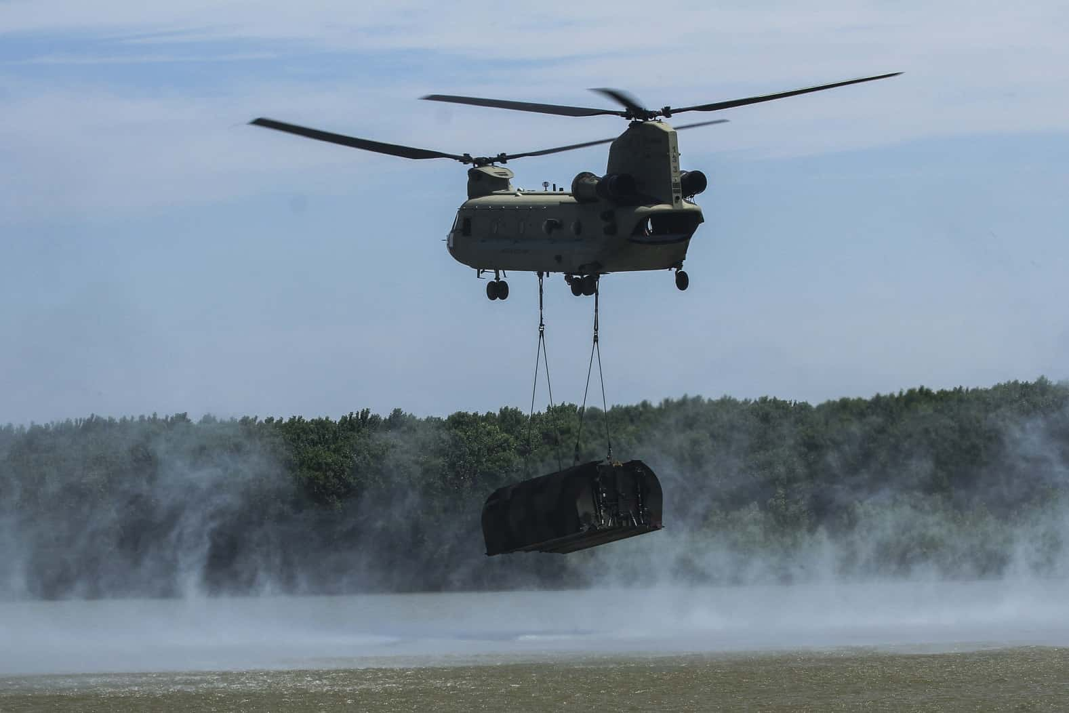 Tron mat xem NATO bac cau phao, vuot song to nhi chau Au-Hinh-4
