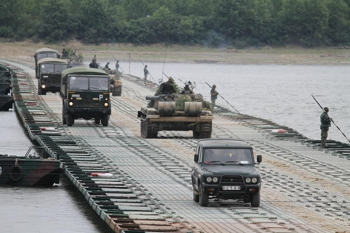 Tron mat xem NATO bac cau phao, vuot song to nhi chau Au-Hinh-6