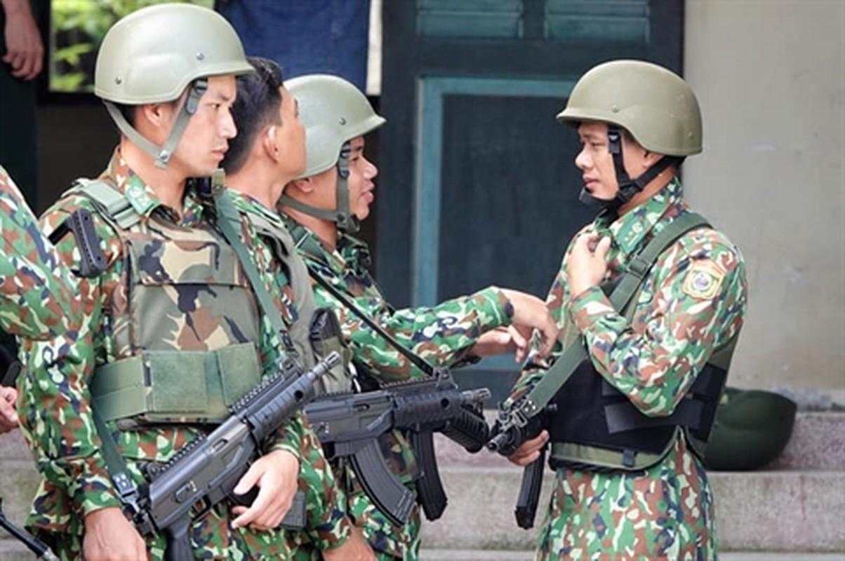 Viet Nam tang cuong trang bi sung Galil ACE 31 thay cho AKS va M18-Hinh-3