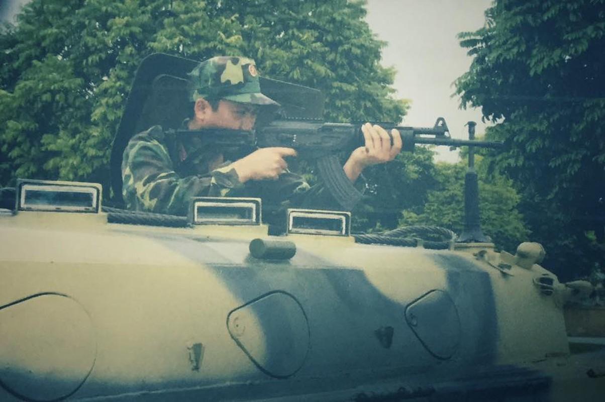 Viet Nam tang cuong trang bi sung Galil ACE 31 thay cho AKS va M18-Hinh-5