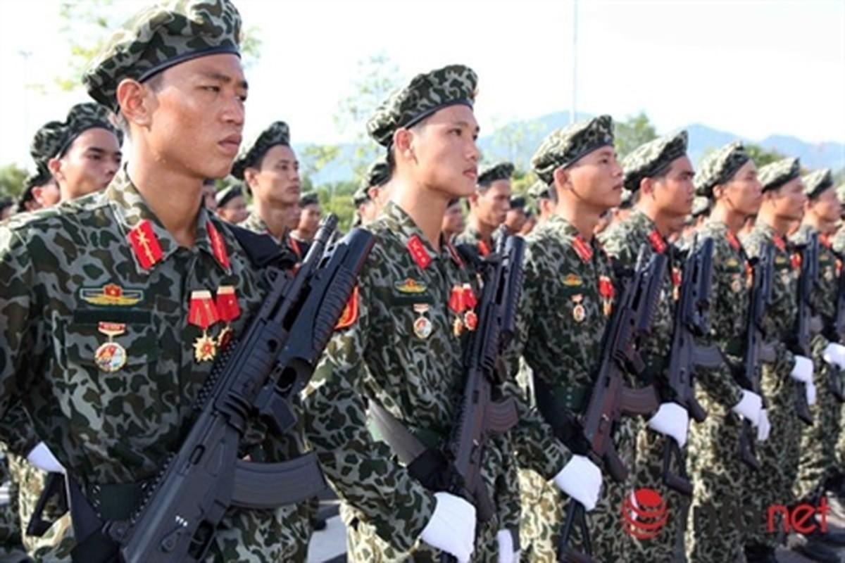 Viet Nam tang cuong trang bi sung Galil ACE 31 thay cho AKS va M18-Hinh-8