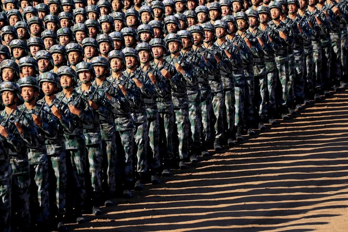 Nghi van ve dau hieu la tren quan phuc cua binh si Trung Quoc-Hinh-3