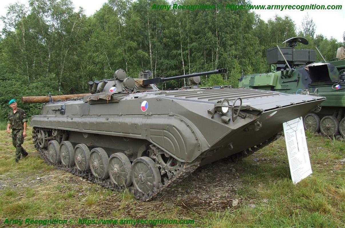Viet Nam co the mua loat xe chien dau BMP-1/2 gia re tu Czech-Hinh-10