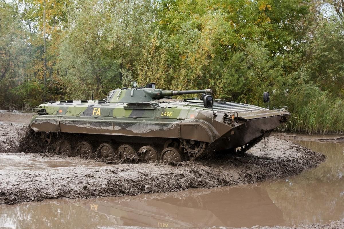 Viet Nam co the mua loat xe chien dau BMP-1/2 gia re tu Czech-Hinh-3