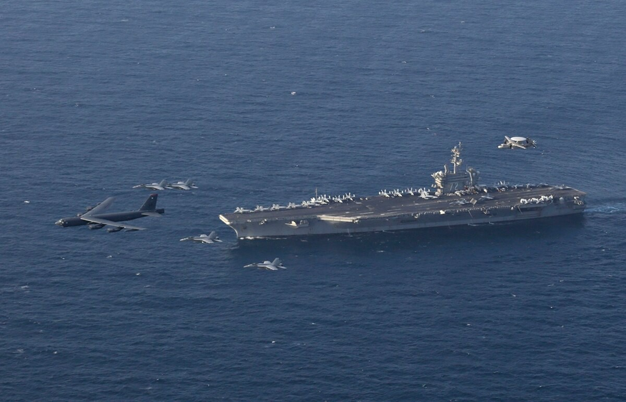 Phao dai bay B-52 My ap sat ban dao Crimea, Nga lo sot vo-Hinh-14