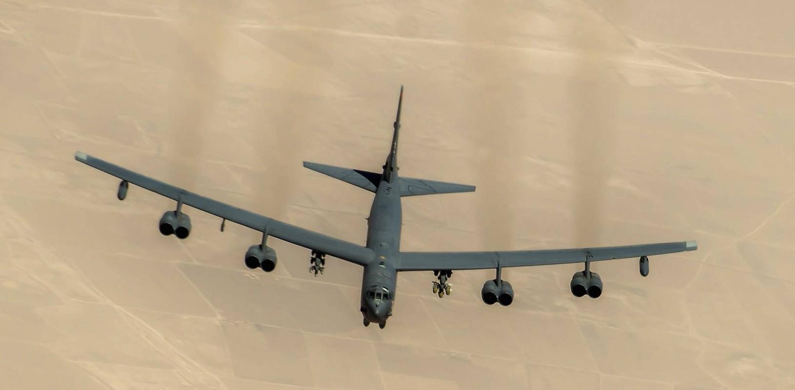 Phao dai bay B-52 My ap sat ban dao Crimea, Nga lo sot vo-Hinh-15