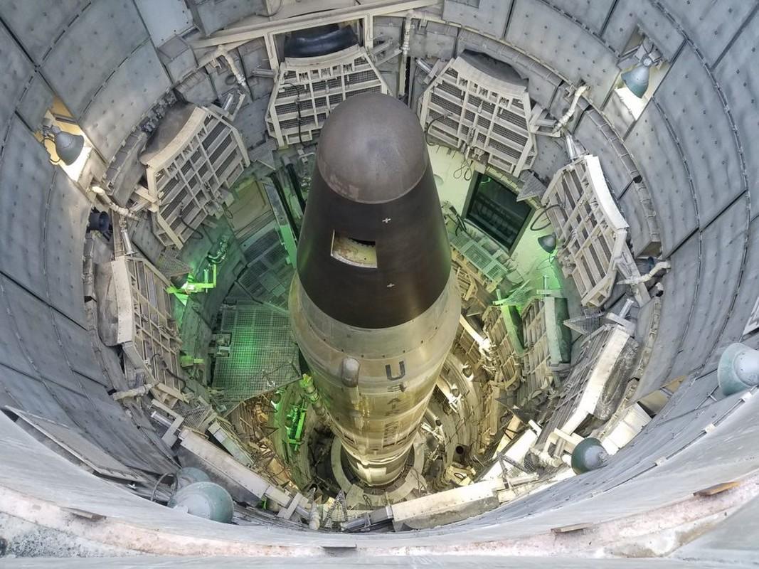 Khong quan My dieu tra nhan vien… hut can sa canh ten lua ICBM-Hinh-6