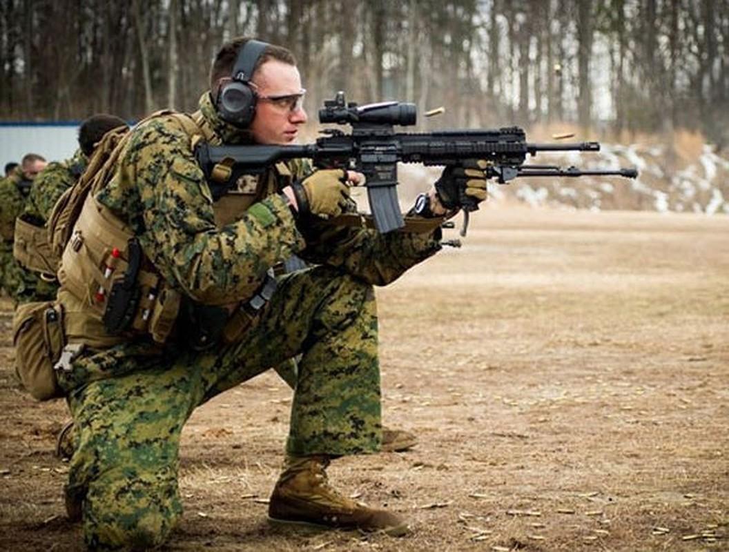Sung truong HK416 toi tan cua luc luong vua tieu diet thu linh IS-Hinh-12