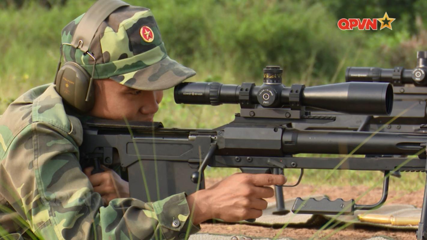 Quan doi Viet Nam su dung sieu sung ban tia cong pha chuan NATO