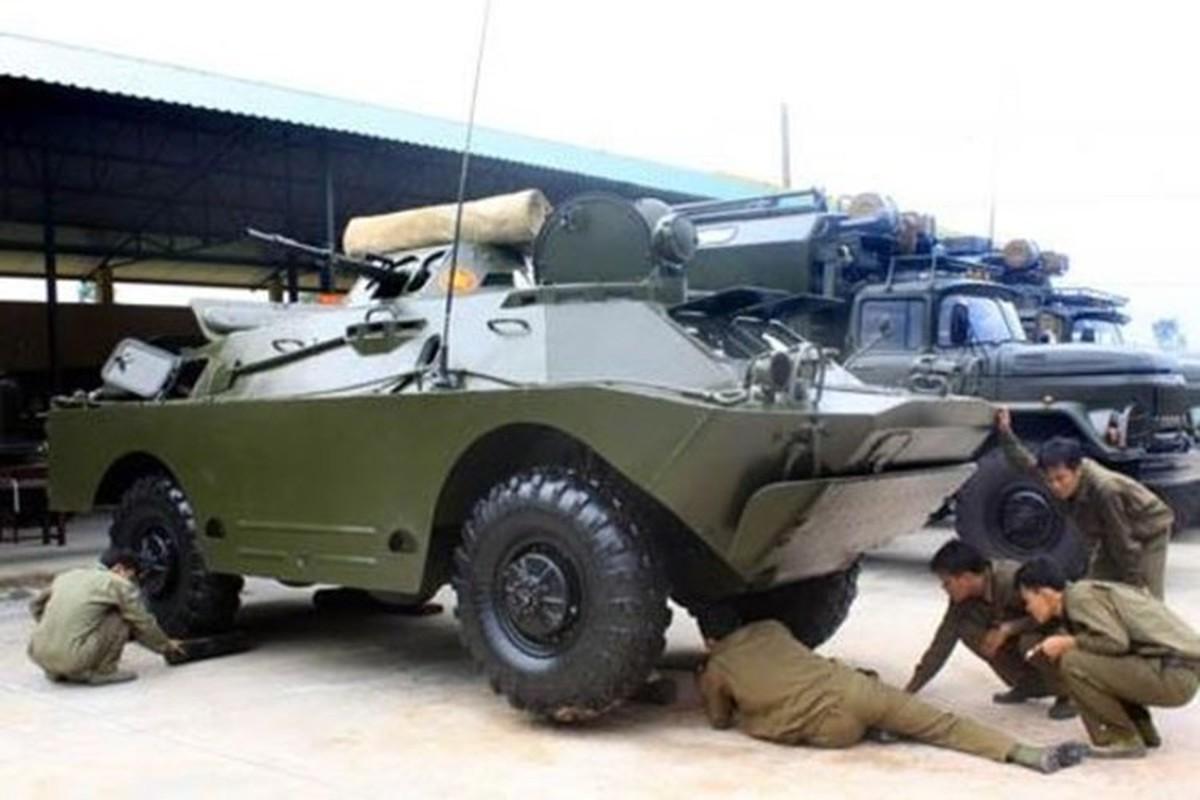 Xe thiet giap BRDM-2M qua re, Viet Nam nen can nhac nang cap-Hinh-3