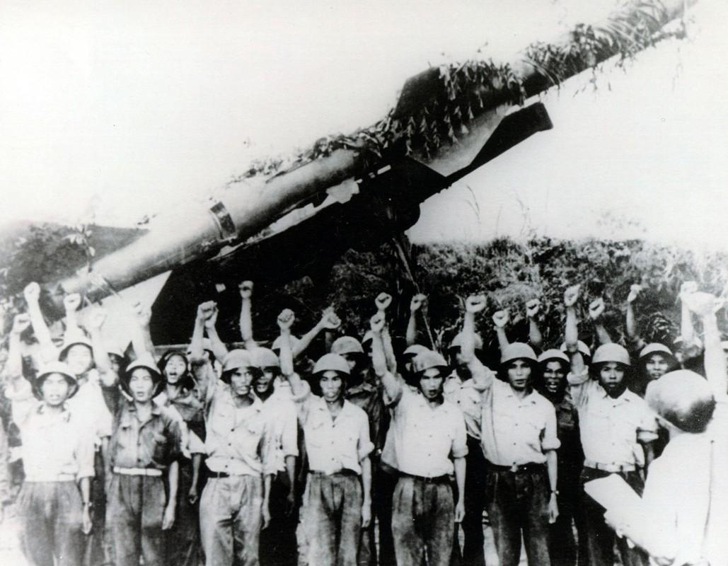 Cap nhat ve dan vu khi phong khong Viet Nam lung lay the ky 21
