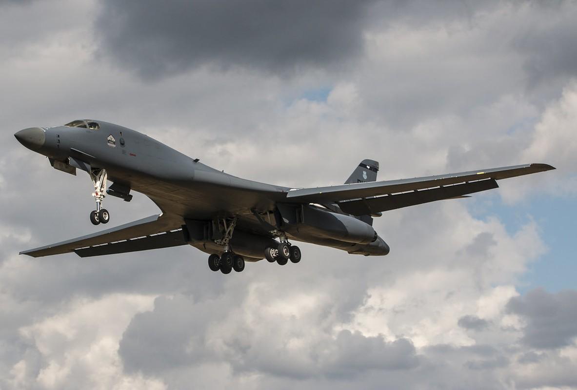 May bay nem bom B-1B Lancer cua My se bay cao hon va… cham hon?-Hinh-6
