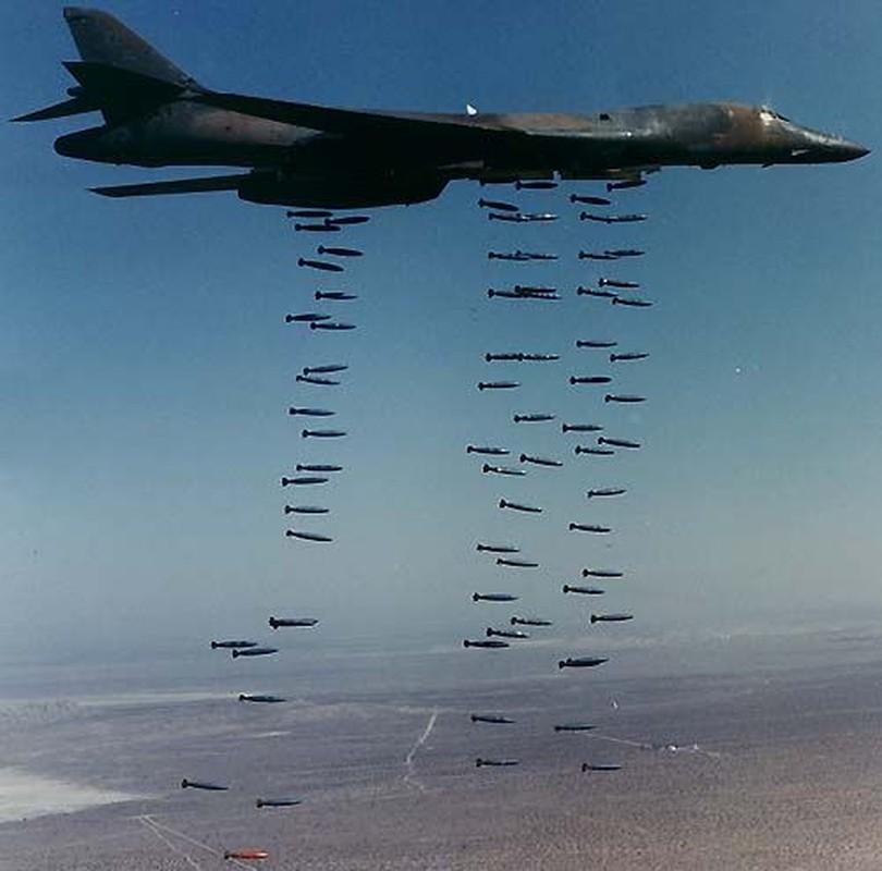 May bay nem bom B-1B Lancer cua My se bay cao hon va… cham hon?-Hinh-7