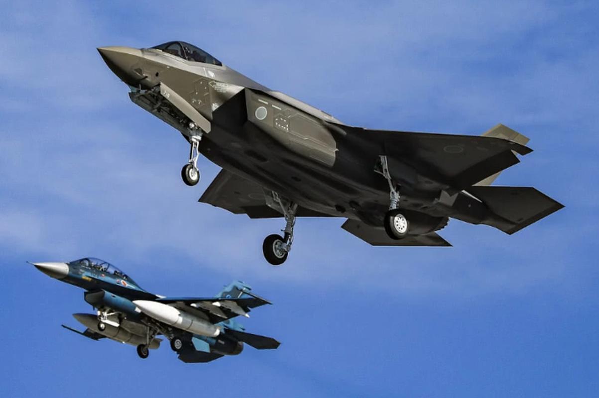 Nhung tiem kich F-35A dau tien duoc lap tai Nhat da chinh thuc bay duoc-Hinh-3