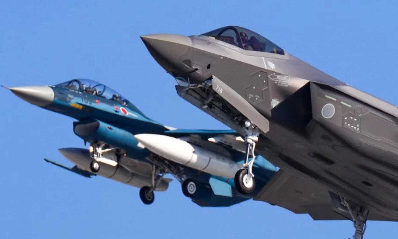 Nhung tiem kich F-35A dau tien duoc lap tai Nhat da chinh thuc bay duoc