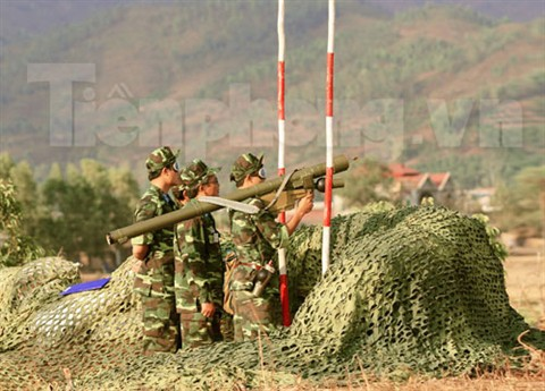 Can canh to hop phong khong Viet Nam tu