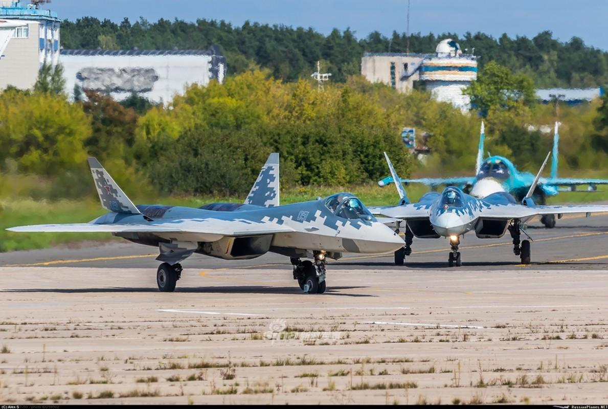 Nga mang Su-57 ra trinh dien