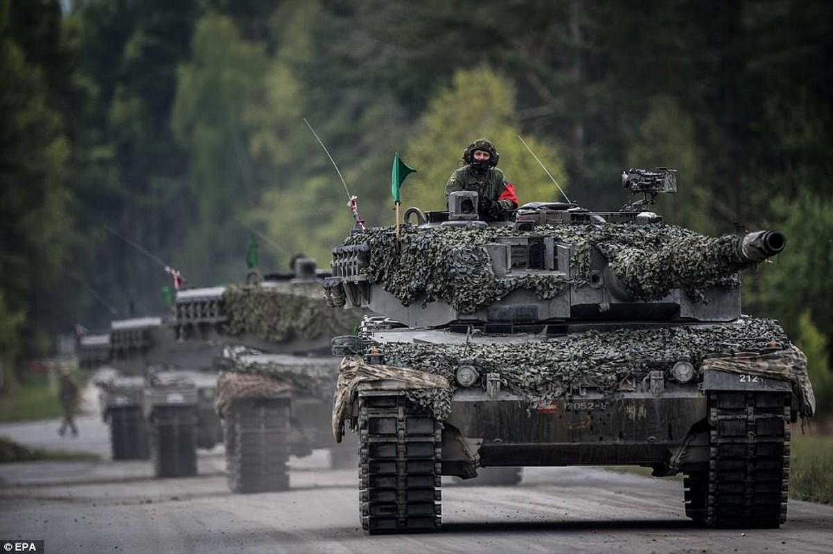 NATO se khuat phuc Nga, Trung Quoc bang xe tang nong phao sieu khung 130mm?-Hinh-4