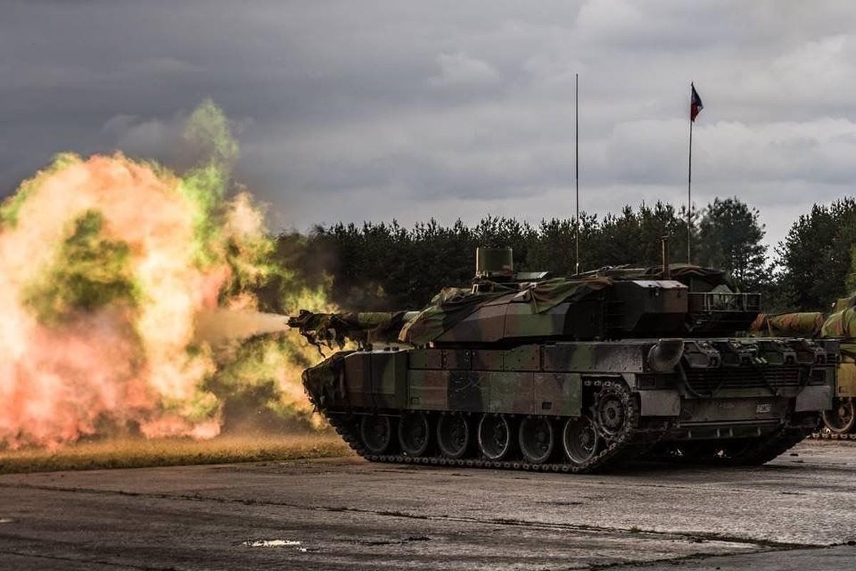 NATO se khuat phuc Nga, Trung Quoc bang xe tang nong phao sieu khung 130mm?-Hinh-7
