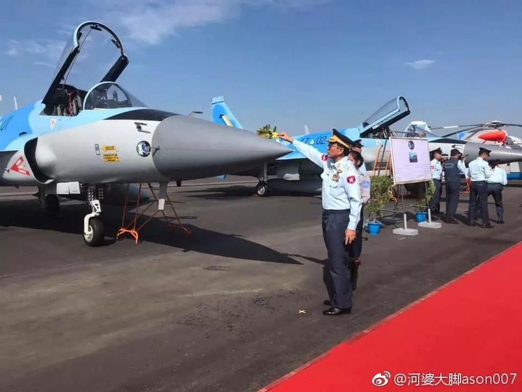 Lang gieng Myanmar khoe loat may bay Nga, Trung moi... suc manh khong quan tang vot-Hinh-8