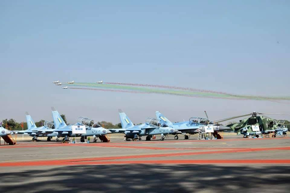 Lang gieng Myanmar khoe loat may bay Nga, Trung moi... suc manh khong quan tang vot-Hinh-9