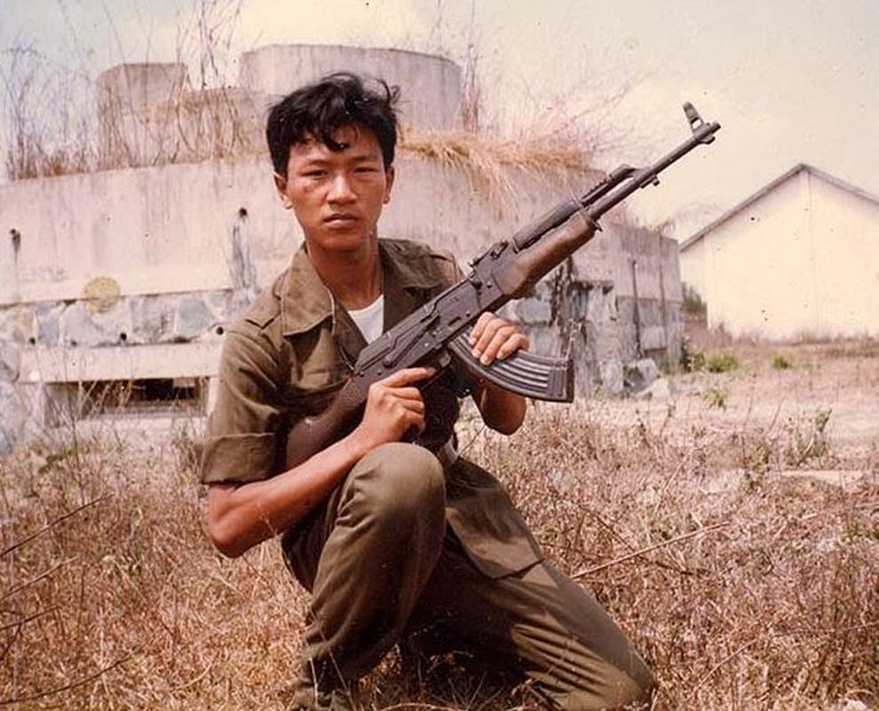 Viet Nam muon cai bien sung AKM theo huong