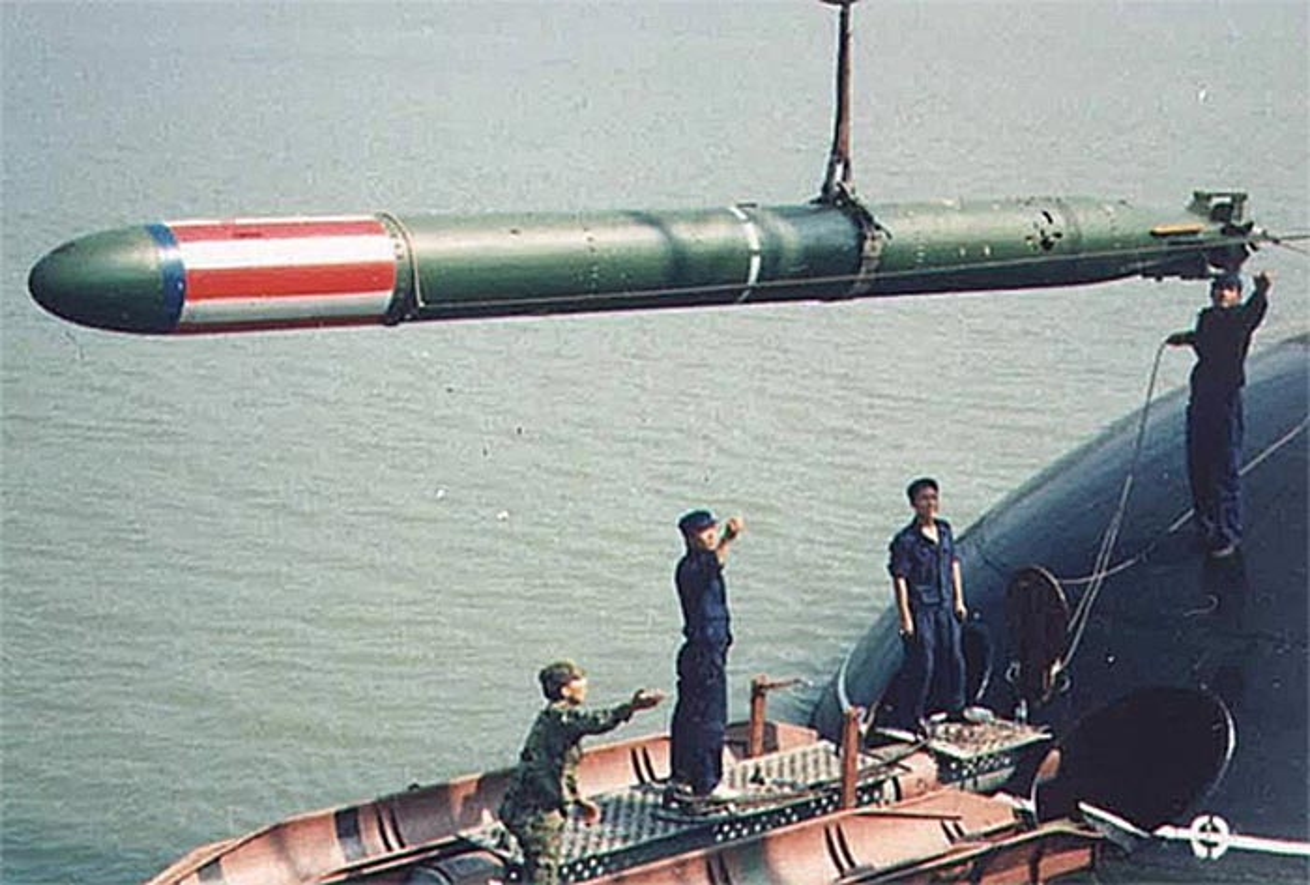 Choang ngop suc manh ngu loi chinh cua tau ngam Kilo Hai quan Viet Nam-Hinh-9