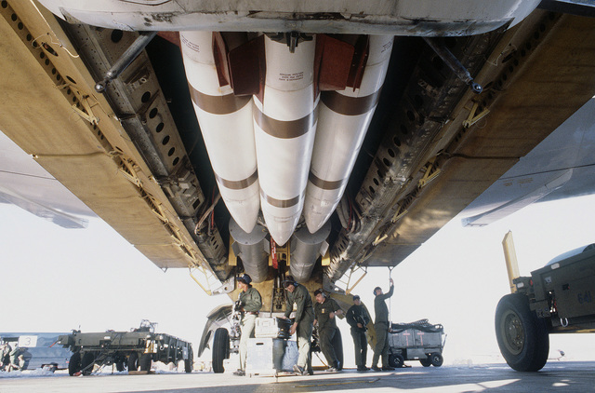 47 nam tran Dien Bien Phu tren khong: Khoang bom khong lo cua B-52 co thay doi gi?-Hinh-8