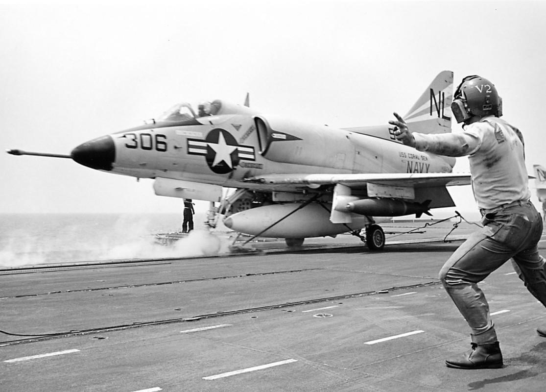 Khung khiep so may bay My nem vao mien Bac Viet Nam trong 12 ngay dem lich su-Hinh-11