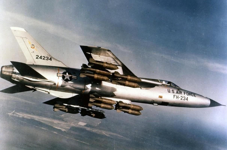 Khung khiep so may bay My nem vao mien Bac Viet Nam trong 12 ngay dem lich su-Hinh-12