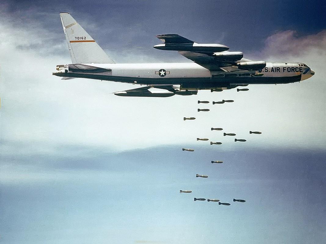 Khung khiep so may bay My nem vao mien Bac Viet Nam trong 12 ngay dem lich su-Hinh-2