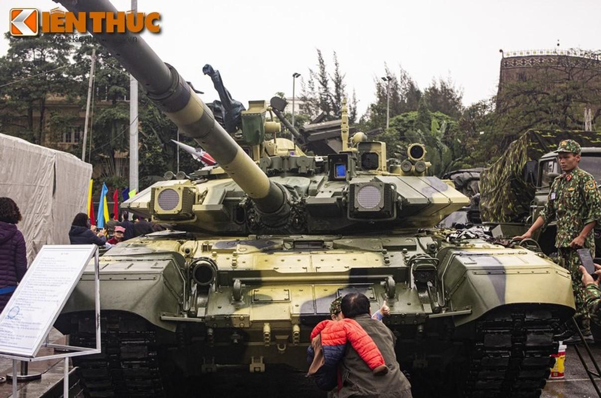 Uu, nhuoc diem cua he thong nap dan tu dong tren xe tang T-90 Viet Nam