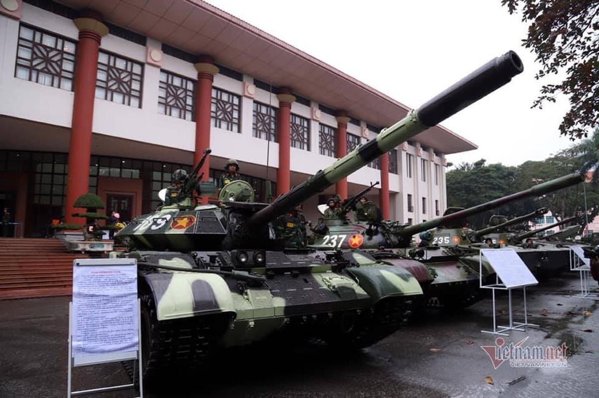 Sieu tang T-54M vua xuat hien o Ha Noi duoc hien dai hoa den muc nao?