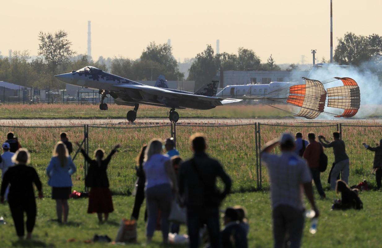 Vu tiem kich Su-57 roi: Truyen thong Nga co tim ra ly do chinh dang?