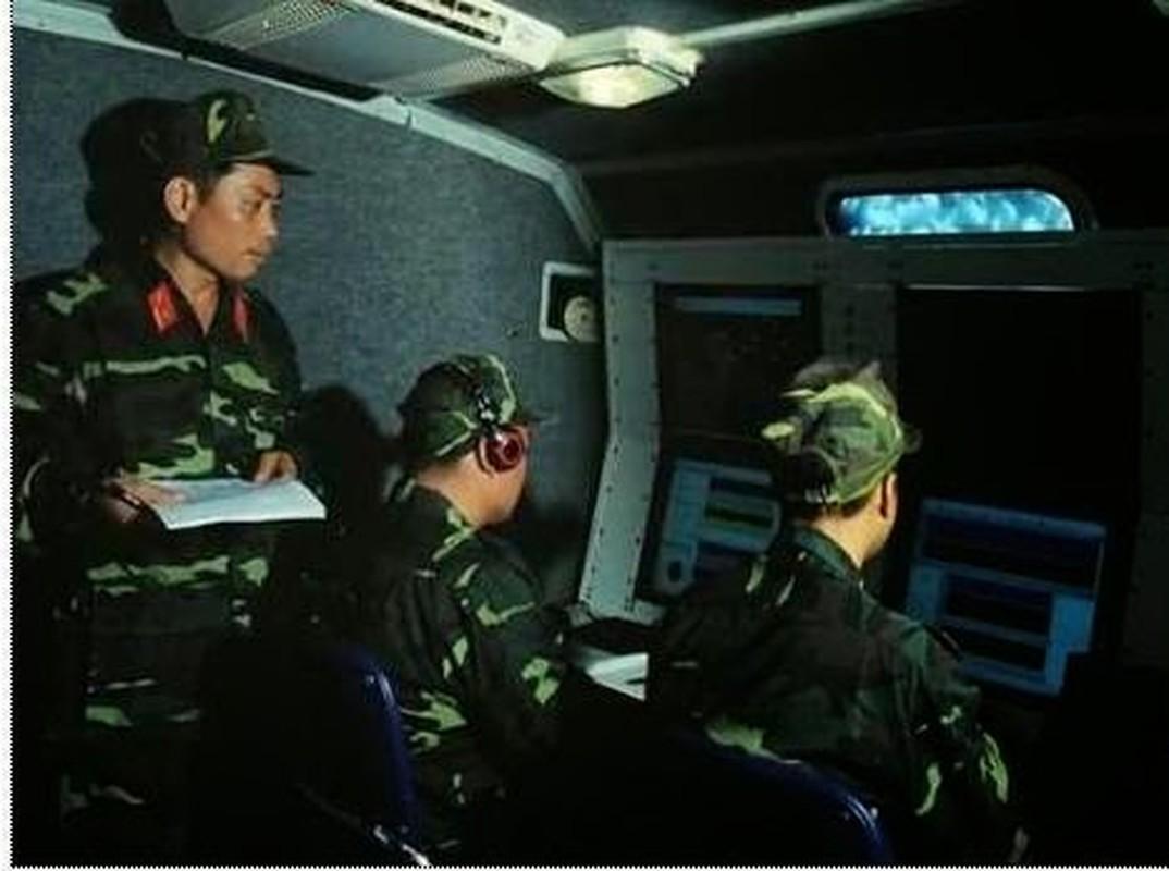 Bat ngo voi he thong radar Viet Nam thiet ke nguy trang trong thung… container-Hinh-10