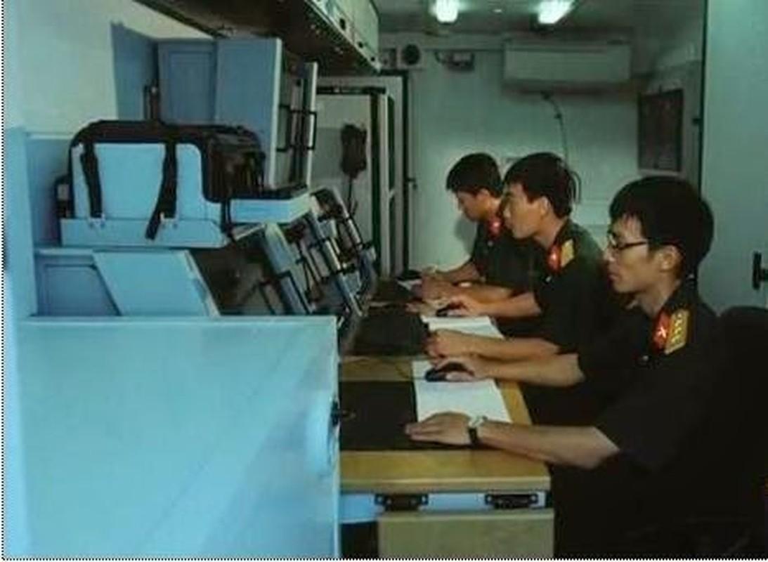 Bat ngo voi he thong radar Viet Nam thiet ke nguy trang trong thung… container-Hinh-9