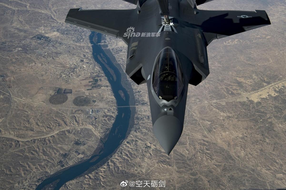 Tiep lieu tren khong cho tiem kich F-35: Kho nhu len troi!