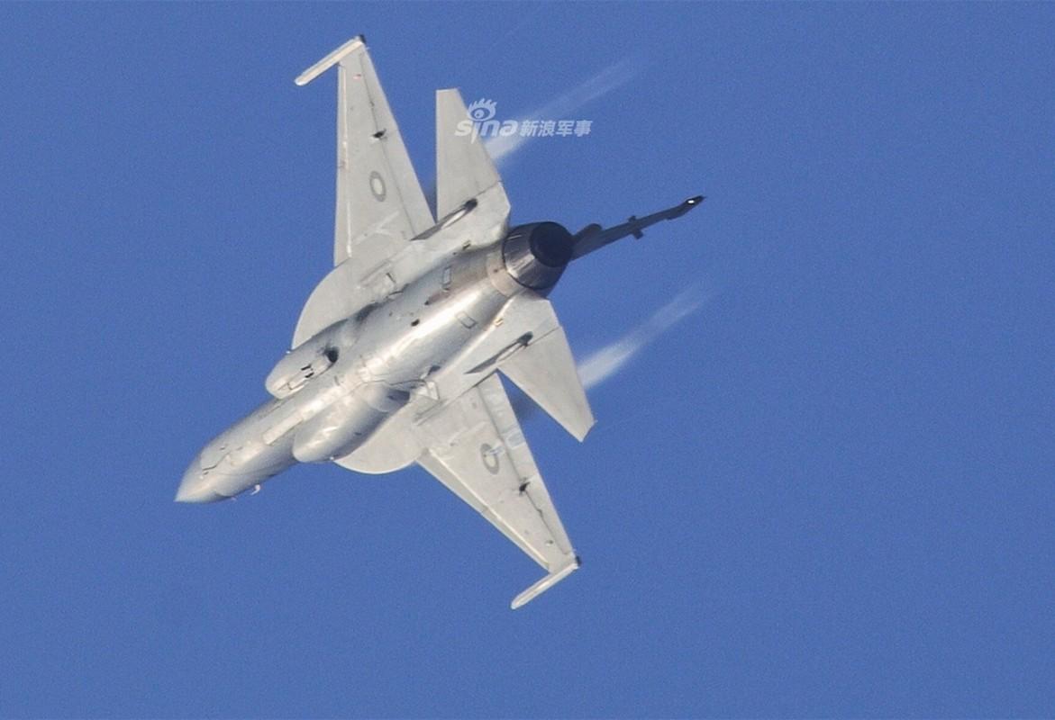 Trung Quoc nang cap JF-17 len phien ban 3, co dang la moi lo cho Nhat – Han?-Hinh-9
