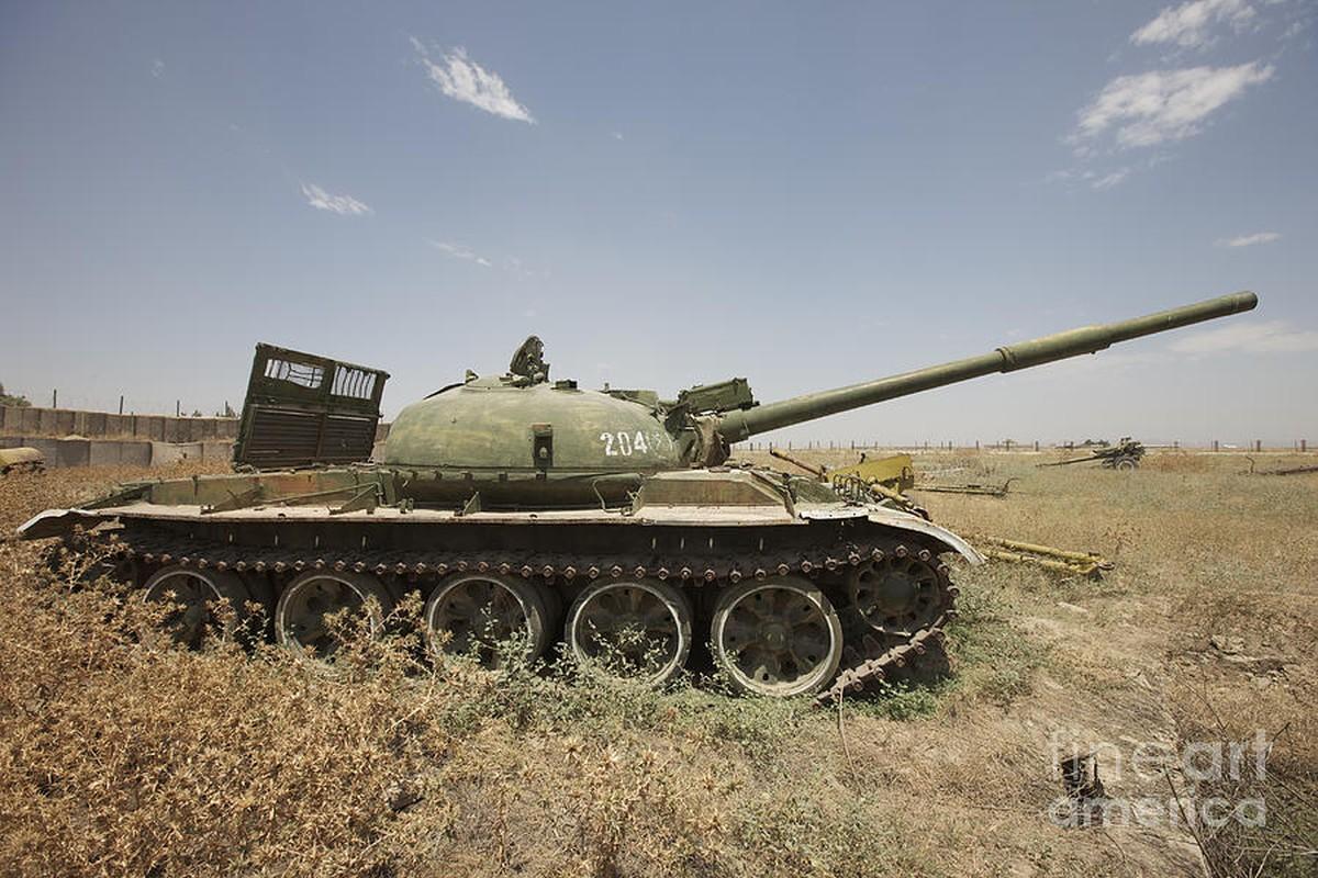 Xe tang T-62 Viet Nam van duoc cung cap them nong phao moi-Hinh-5